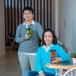 When a suitable space opened up in Langtree Mall for Tan Le's dream bubble tea shop, he jumped at the opportunity. - Tan runs Bluer Juice and Bubble Tea bar with his aunty Jessica, bringing popular Asian drinks and snacks to the mall. - Bluer's menu includes fresh fruit tea, brown sugar pearl milk, pearl milk tea, smoothies, juices and fruit crushes, as well as made-to-order rice paper rolls, spring rolls, calamari, chips and nuggets. - The bubble tea shop located at 54A Langtree Mall offers indoor and outdoor seating, takeaway and delivery. - #Bluer #EatLocal #MilduraCityHeart #LoveLocal #LoveThisPlace