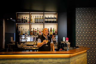 Round up your mates and head on down to the @grandondeakinmildura to watch the footy, place a bet or take a seat in the lounge for a quiet sip.  - Mario will be waiting for you with a cold beer and a good laugh! - #GrandOnDeakin #EatLocal #MilduraCityHeart #LoveThisPlace