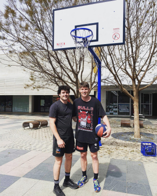 Look who popped past to shoot some hoops in the Langtree Mall!! Sam Walsh from Carlton Football Club was kind enough to stop for a few photos while playing ball in the Mall today!